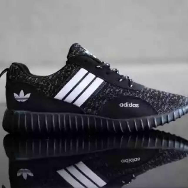 Sepatu Adidas Boost Hitam